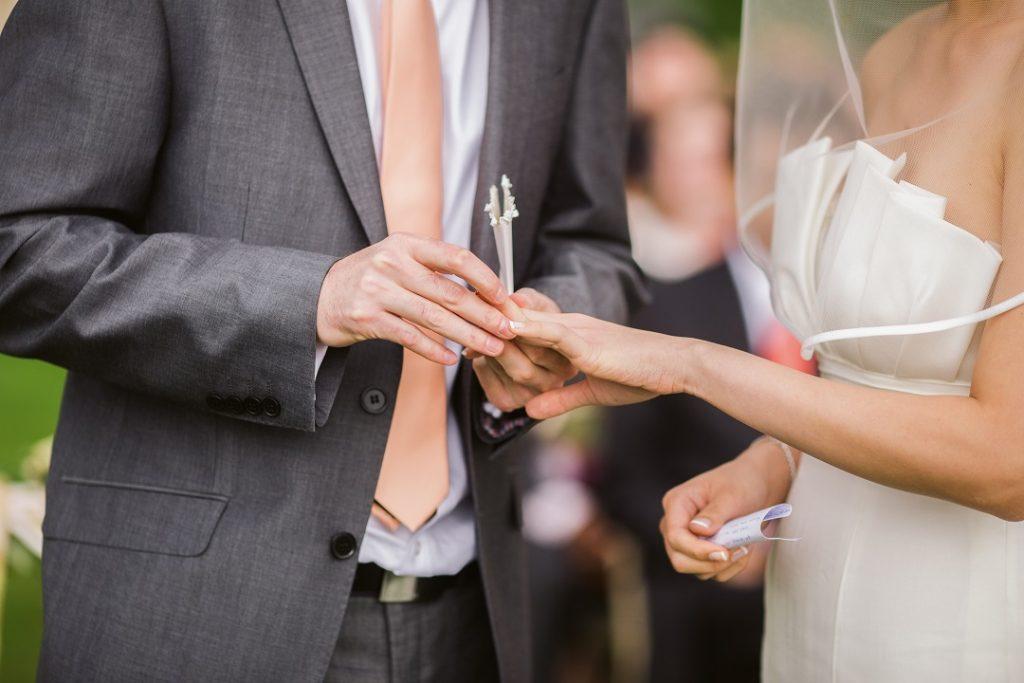 Comment organiser une cérémonie de mariage laïque