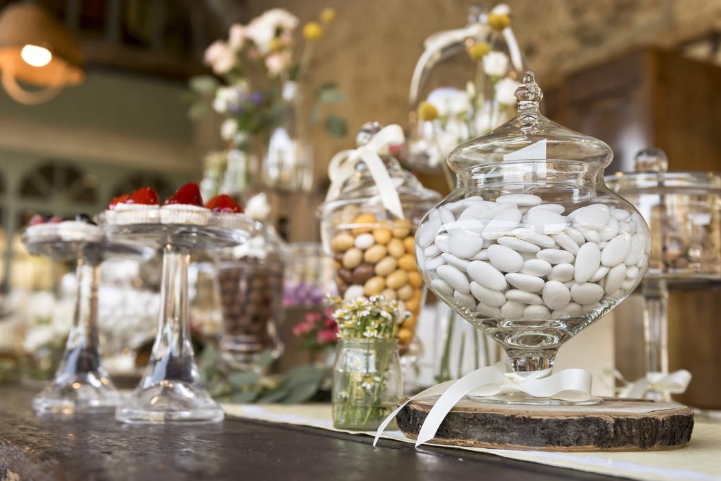 Comment présenter les dragées de mariage sur les tables d'invités ?